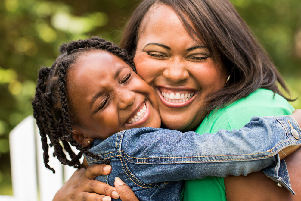 african-american-mother-and-daughter-1000x667